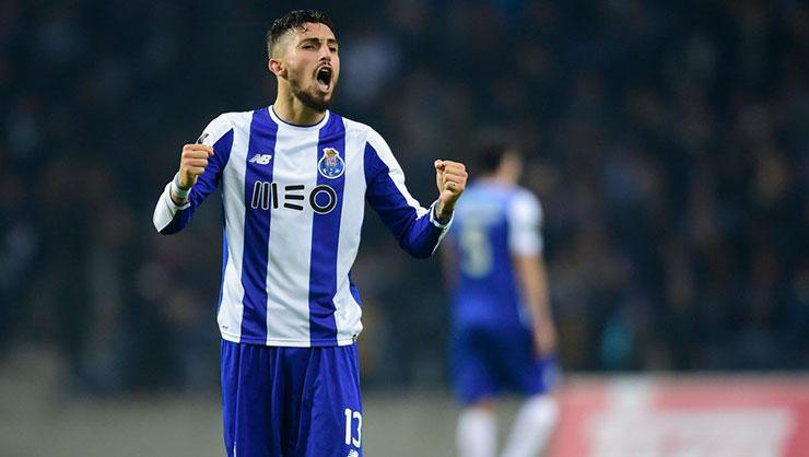 Alex Telles için Chelsea ve Paris Saint-Germain savaşı