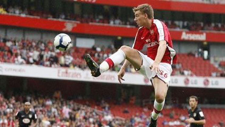 Arsenal'de Bendtner şoku!