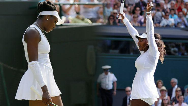Venus Williams gitti, Serena Williams kaldı