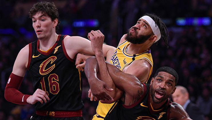 Cleveland, Los Angeles Lakers'a direnemedi